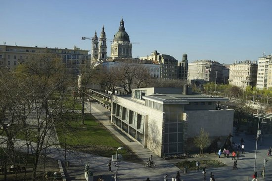 The Ritz-Carlton, Budapest: view of the square in front of the hotel, from the room