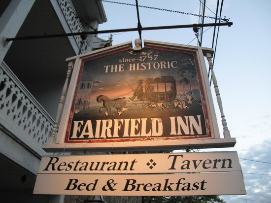 The Fairfield Inn: Close up of the sign