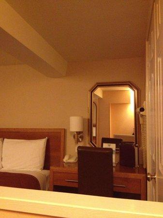 Abbey Hotel: Рабочий столик