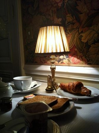 Hotel d'Angleterre, Saint Germain des Pres: tavolo da colazione
