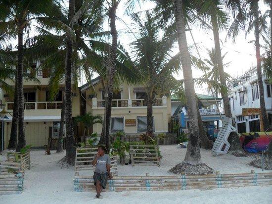 Casa Fiesta Beach Resort: beach front room