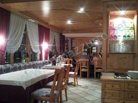 Bad Waldbrunn: un lato della sala ristorante