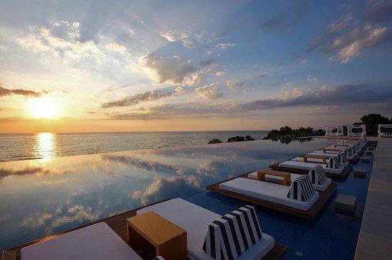 Cavo Olympo Luxury Hotel & Spa: Sunrise