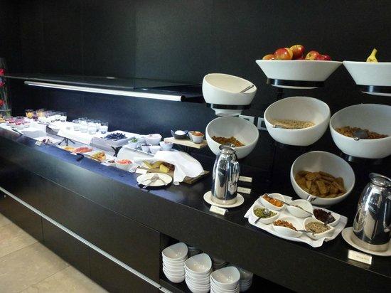 Novotel Auckland Airport: Breakfast buffet