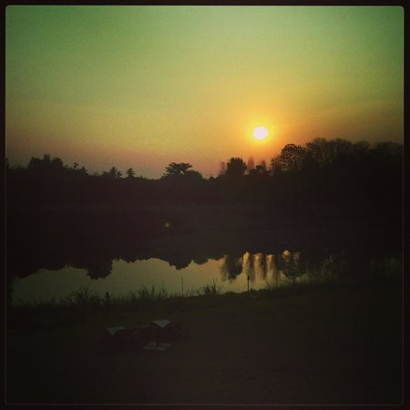 Zensala Riverpark Resort: Sunrise