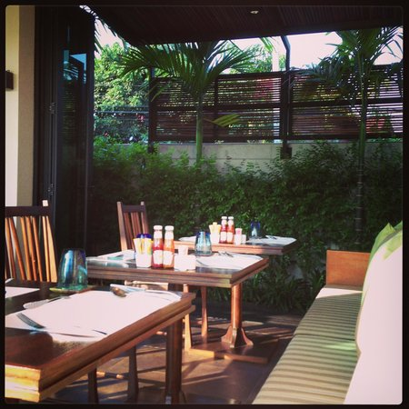 Zensala Riverpark Resort: At breakfast