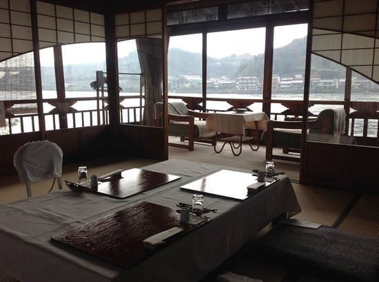 Ryotei Ryokan  Uonobu : 他の部屋も見せてくださいました。どの部屋も凝った造りで素敵です。