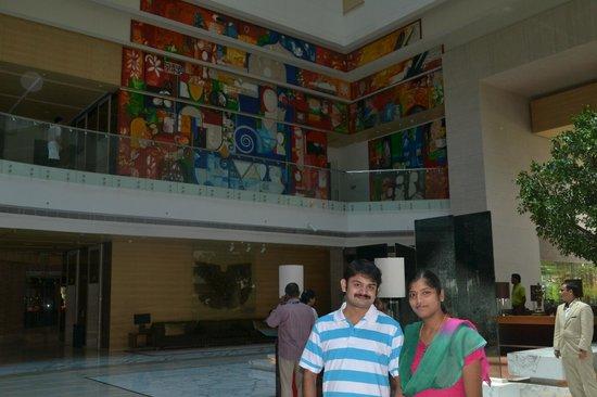 Hyatt Regency Chennai: lobby lounge