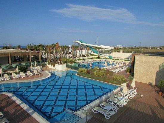 Trendy Verbena Beach Hotel : Pool von der Dachterrasse