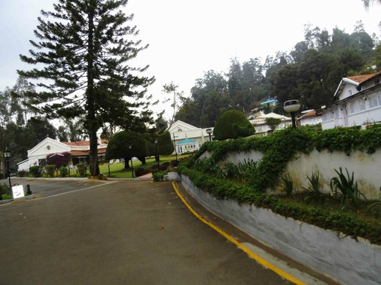 Taj Savoy Hotel, Ooty: first view of the hotel