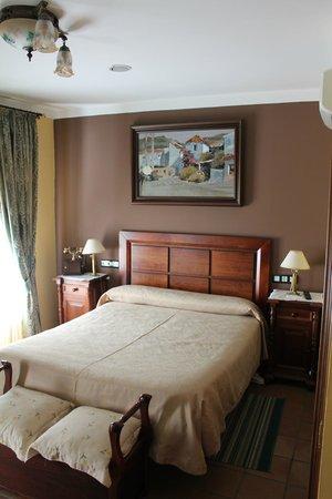 هوتل بلازا دي توروس.: Hotel Room
