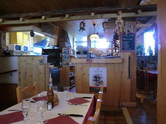 Casa di Stef: Cuisine et salle - La Stalla