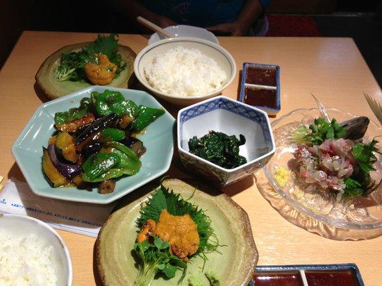 Capsule Hotel Asakusa Riverside: Asakusa Tokiwa - Cheap Nama Uni!