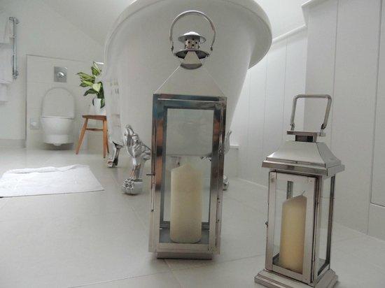 Trevose Harbour House: Bathroom. (Room 6)
