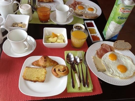 Le Mas del Sol: la colazione preparata con cura e super salutare.