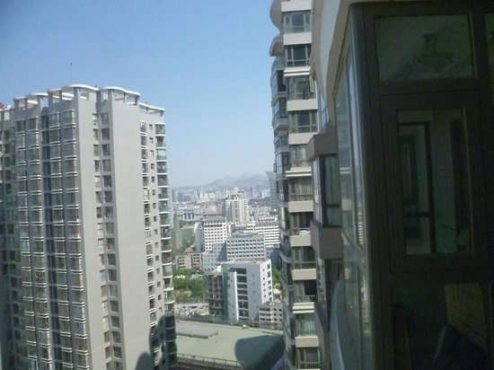 IC Holiday Shun Cheng Serviced Apartments : View from Kitchen window