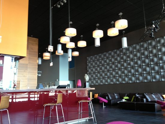 Stromstad Spa: Bar and lounge zone