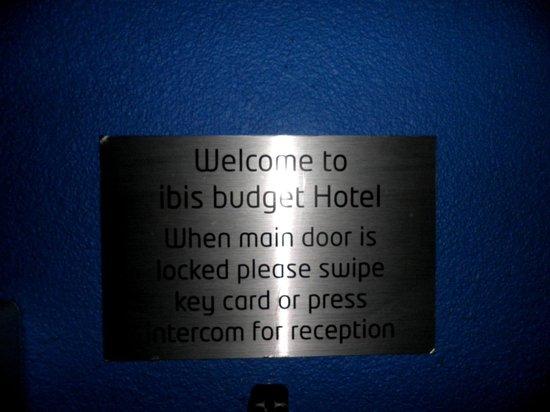 Hotel ibis budget Glasgow: Welcome notice