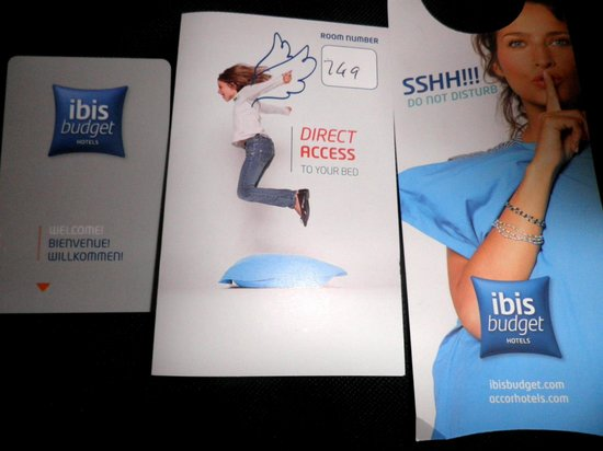 Hotel ibis budget Glasgow : Room access card, card jacket & Do Not Disturb  card