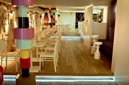 Photo of Mediterranean Restaurant Strofilia at Rue Du Marche Aux Porcs 11-13, Brussels 1000, Belgium