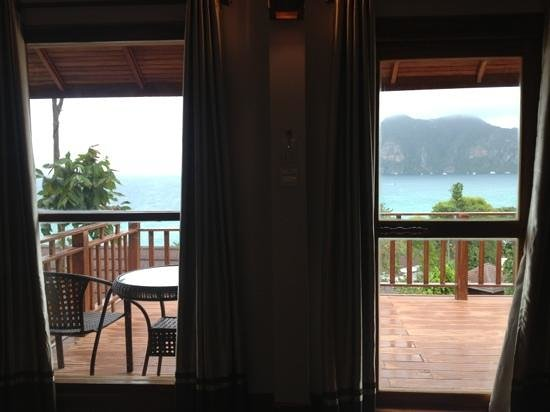 Phi Phi The Beach Resort: view from the bed