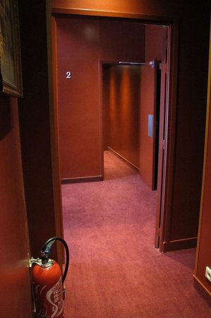Best Western Tour Eiffel Invalides: Corridoio di accesso alle camere