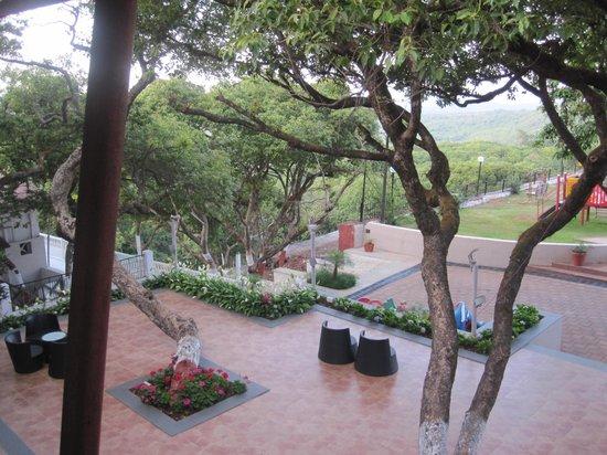 Hotel Gautam, Garden View2