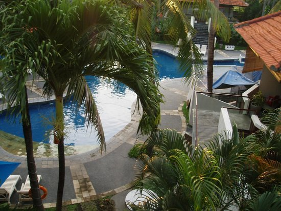 Sanur Paradise Plaza Suites: Photo from our balcony 3rd floor, room 3112