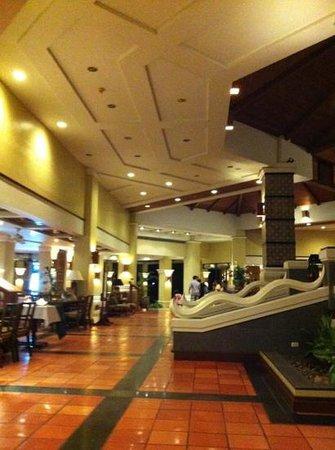 Phuket Marriott Resort & Spa, Merlin Beach: part of the entrance lobby