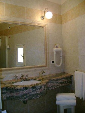 Hotel La Locanda: Bagno