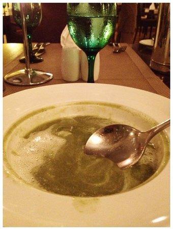 Le Suffren Hotel & Marina: The best fresh asparagus soup I ever had.