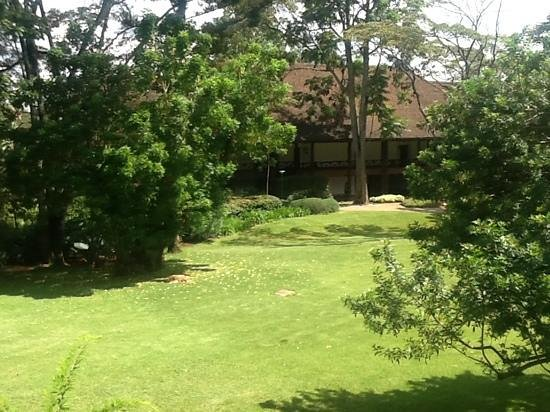 Safari Park Hotel: impressie vanaf het balkon