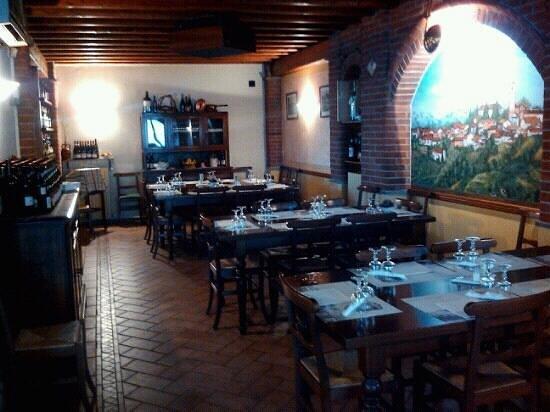 Al Saraceno: Sala interna