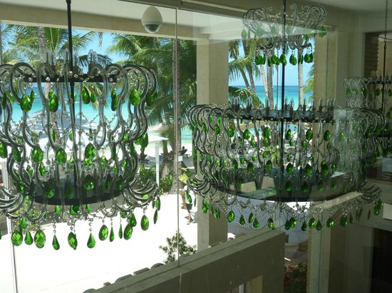 The District Boracay: Gorgeous crystal chandeliers in the foyer
