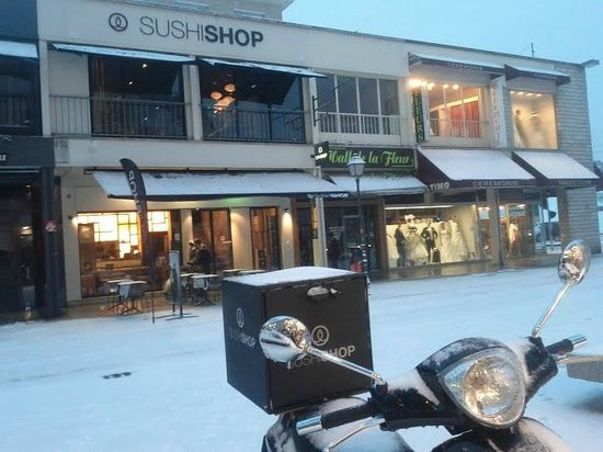 sous la neige photo de sushi shop caen tripadvisor. Black Bedroom Furniture Sets. Home Design Ideas