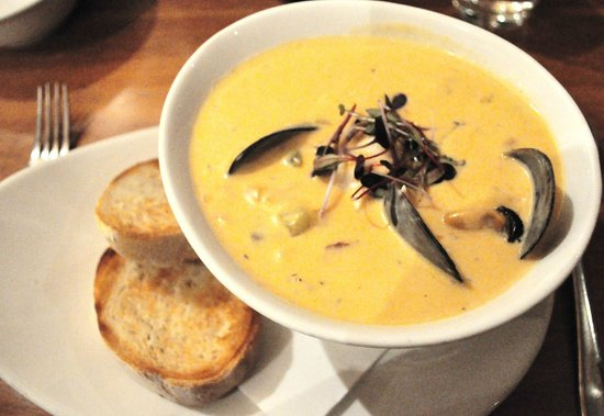 Hallam's Waterfront Restaurant : Seafood Chowder