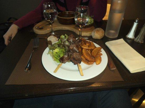 Le Bistro Des Neiges : Piqué de coeur de canard et frites maison