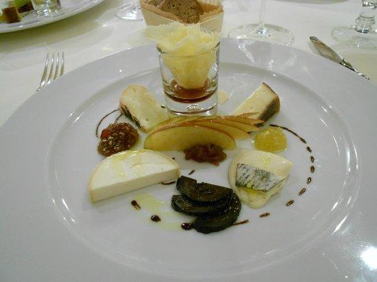 Hotel Restaurant Zur Krone: Käsespezialitäten aus dem 7-Gänge-Menue