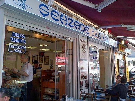 Sehzade Cag Kebap: Restaurant view