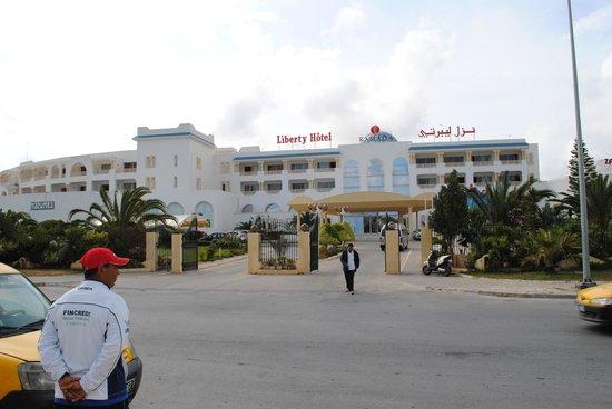 Ramada Liberty Resort Hotel: L'hôtel