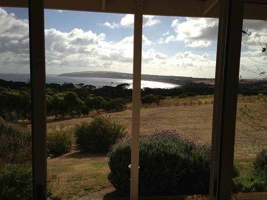 Seascape Lodge on Emu Bay: Stunning view that we woke up to :-)
