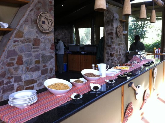 Sibuya Game Reserve & Tented Camp : delicious buffet