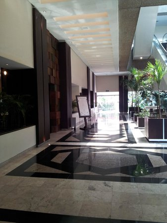 Royal Pedregal: Hotel lobby: access to the restaurant