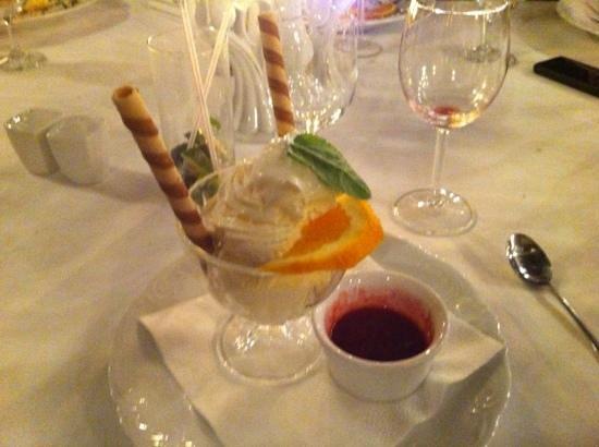 St. Antonio: glace a la vanille maison
