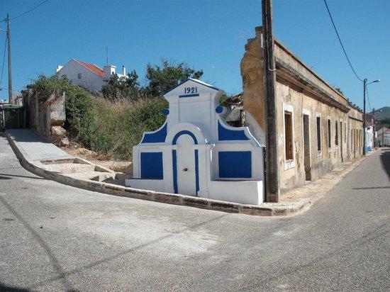 Casazul M&B: Cercal do Alentejo - Antigo chafariz na zona mais antiga da Vila