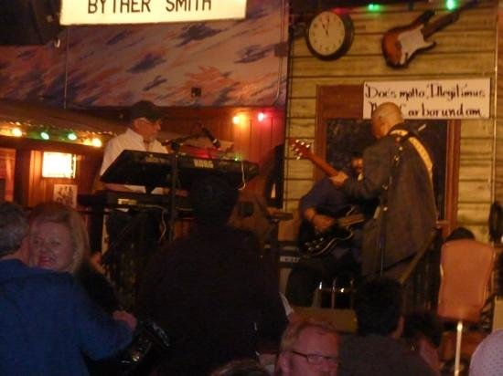 Kingston Mines: Blyther Smith on stage