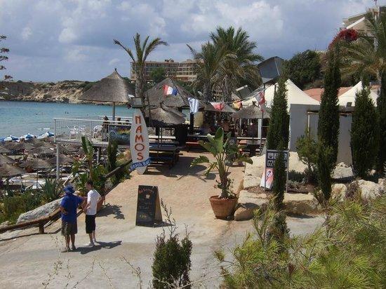 Nammos Beach Bar: Namos Beach Bar Coral Bay