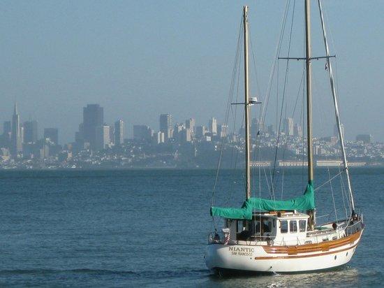 The Gables Inn Sausalito: View of San Francisco from Sausalito