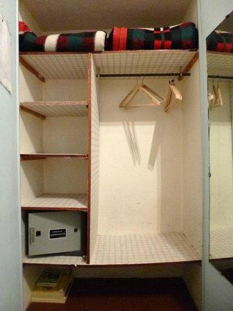 Gran Hotel Hispano: Closet