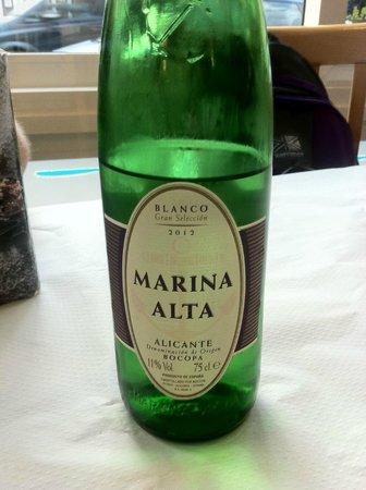 Freiduria Las Gaviotas: Brilliant white wine from Alicante - 10 EUR!